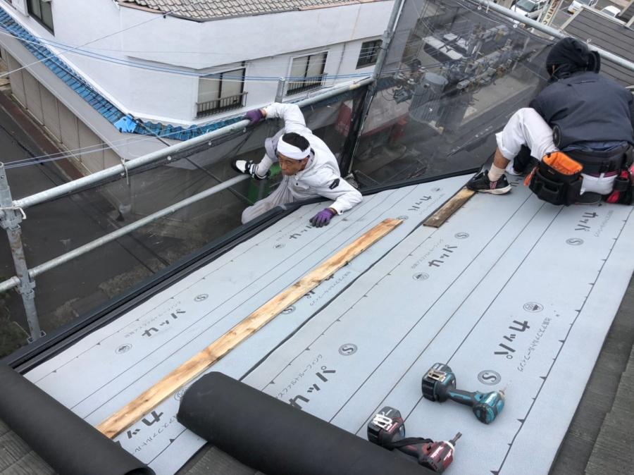 屋根貼り付け