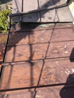 下屋根傷んだ板金