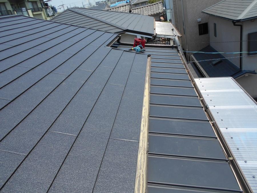 屋根ガルテクト完了