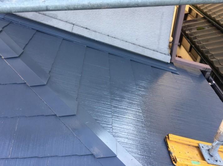 屋根塗装壁との取り合い部分
