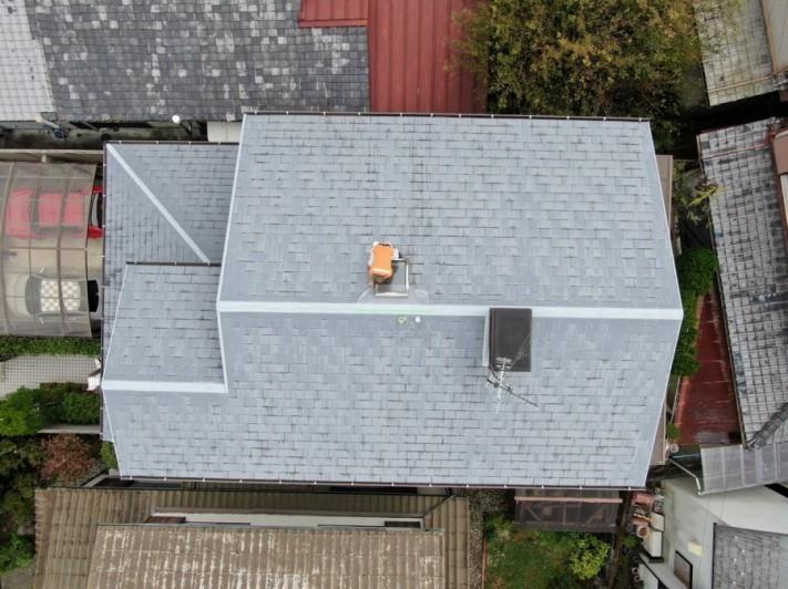 スレート屋根の天窓