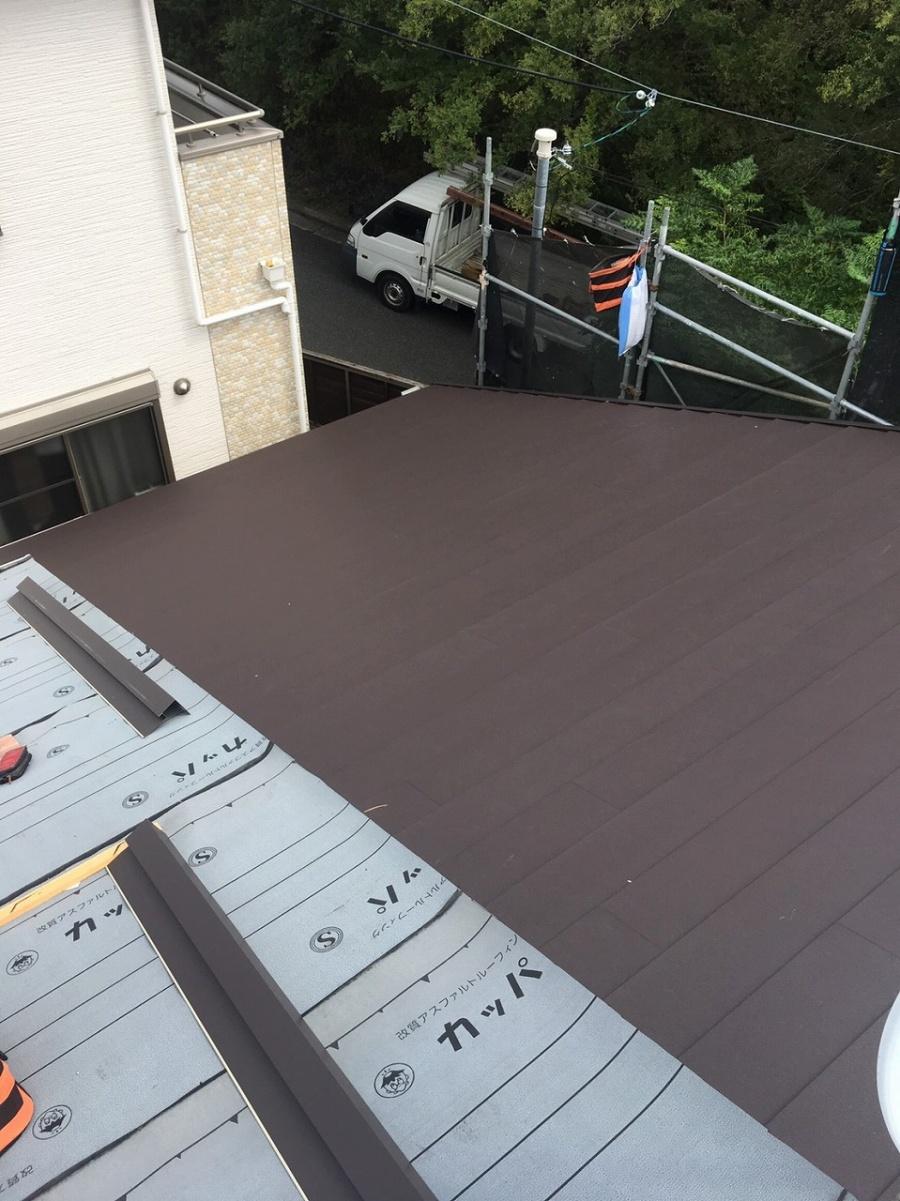 屋根材本体貼り