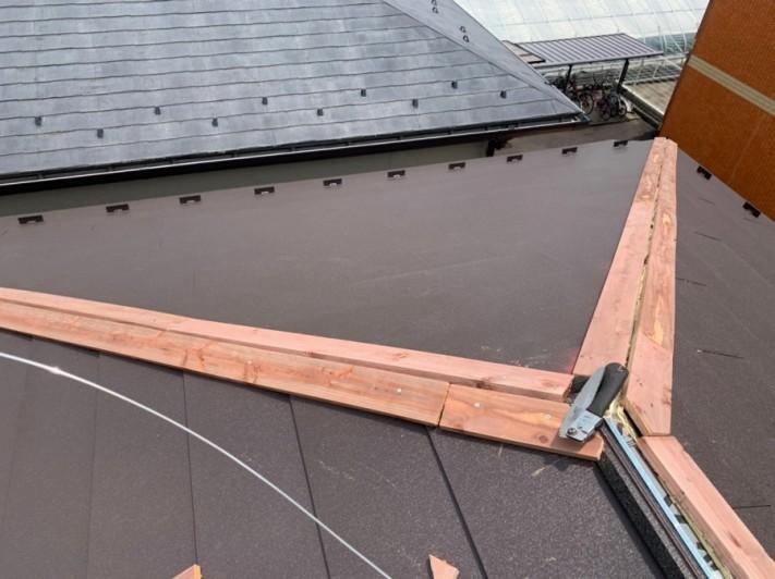 屋根本体貼り終わり