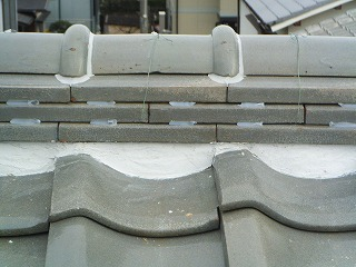 屋根の漆喰の詰め直し