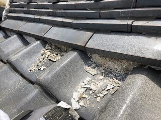 屋根の漆喰