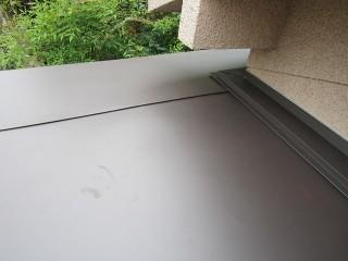 玄関屋根板金完成
