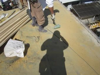 屋根下地掃除