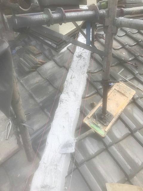 屋根の漆喰と補修工事
