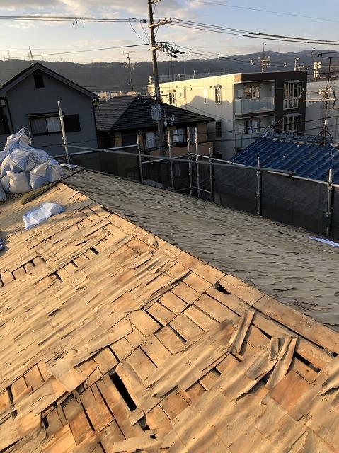 屋根瓦解体後のばら板