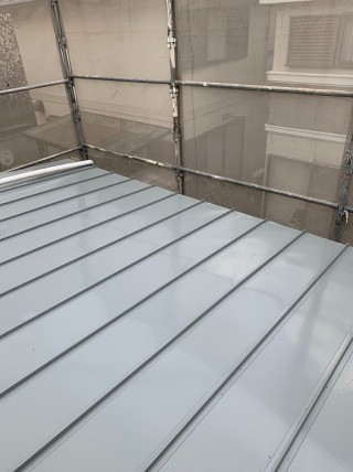 立平板金屋根