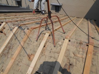 屋根の下地