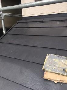 下屋根の屋根カバー工法が完了