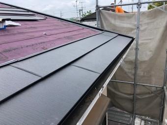 屋根本体貼りの様子