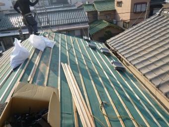 屋根下地造り
