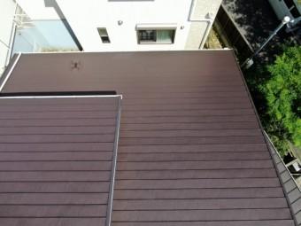 カバー工法で工事が完了した屋根