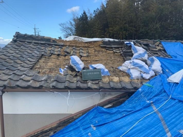 落ちてきた屋根