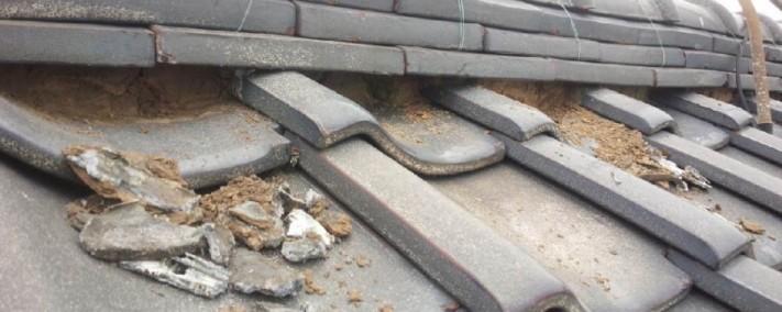 屋根漆喰剝がれ